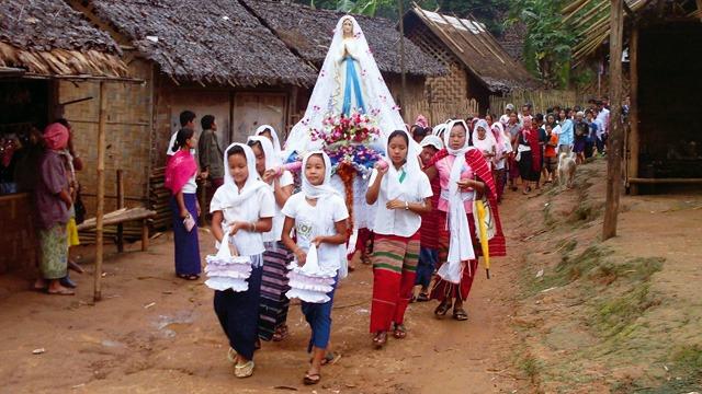 Quelles sont les religions Birmanie: une majorité de bouddhistes au Myanmar.