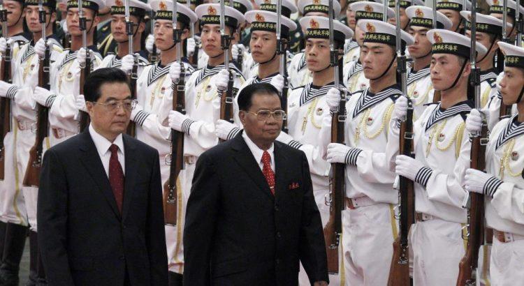 Quel est le rôle de la junte militaire birmane sur la politique du pays?